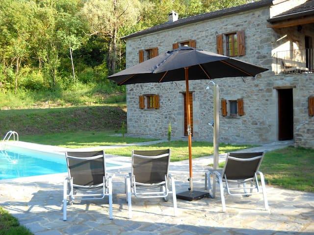 Casa la Brugna landhuis met zwembad - Baselica - Дом