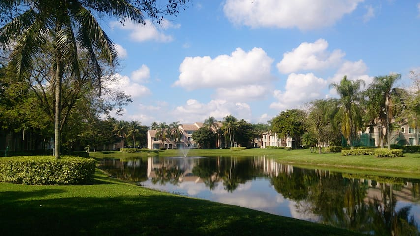 Relaxing and quiet place w/ great amenities. - Miramar