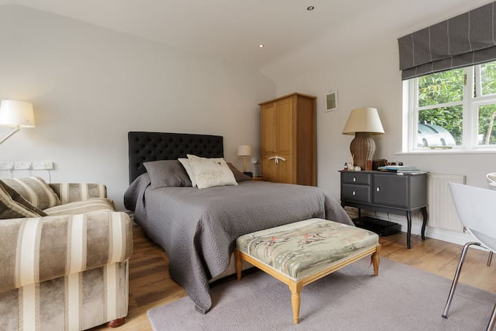 Stunning Studio apartment for 2 - Midhurst