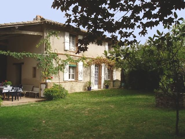 Traditional farmhouse - Rabastens