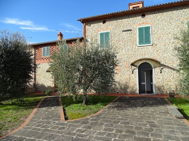 Splendida Casa colonica  toscana - Chiesina Uzzanese - Adosado