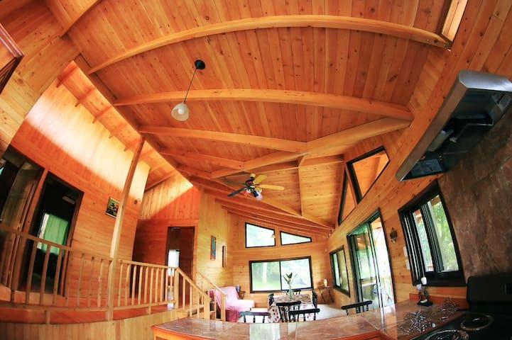 Cabin in the Woods La Ecovilla (Ecovillage) - San Mateo - Blockhütte