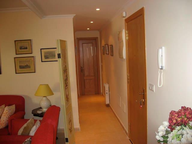 Precioso apartamento nuevo de 2 habitaciones - Candeleda