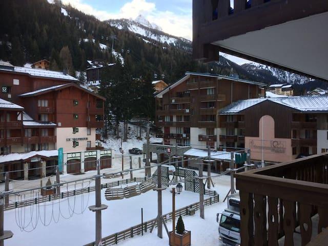 Apartment with great views next to ski lift - Modane