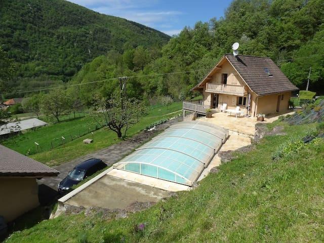 Maison-chalet à 15min de Grenoble - Pommiers-la-Placette - Talo