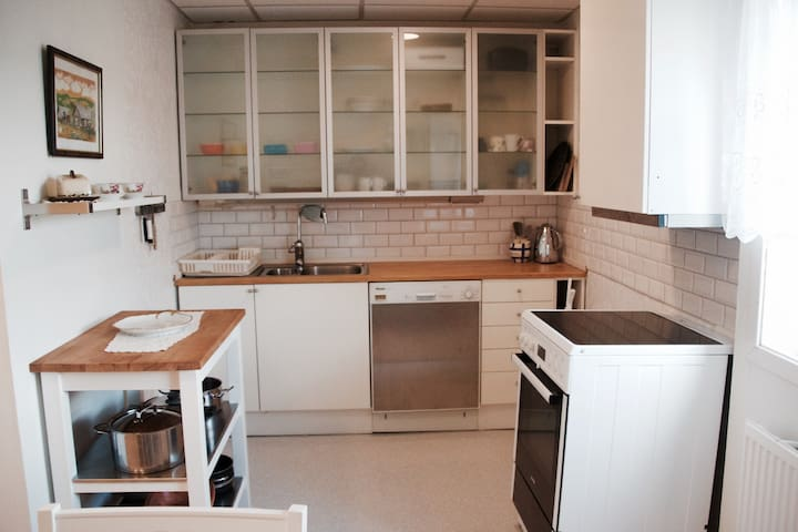 Near Oslo/Airp/Nature 1-5p,Great beds, Wifi,TV, - Rotnes - Byt