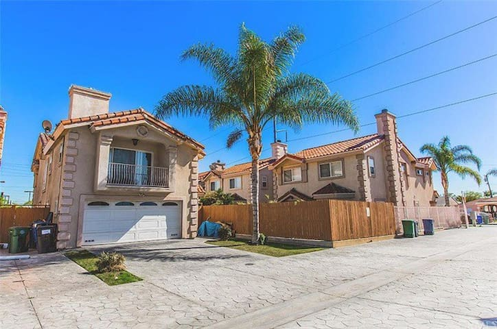 Great Two Story House (Near LAX) - Hawthorne - Talo