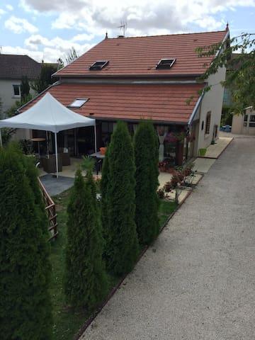 Belle maison 20 km de dijon - Marcilly-sur-Tille - Casa