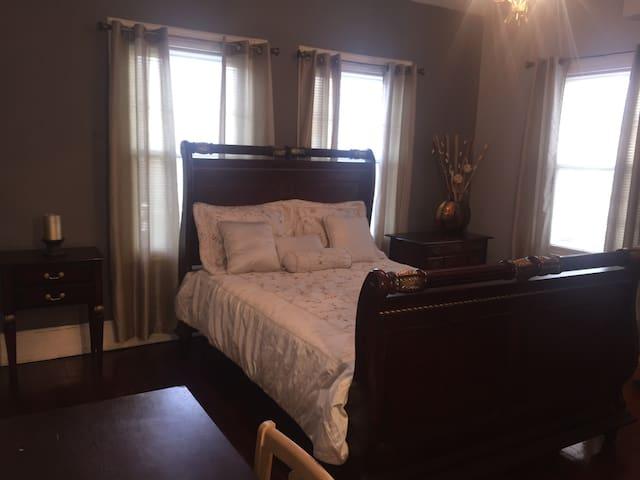 Habitation grande en el 2nd piso - Englewood - Casa