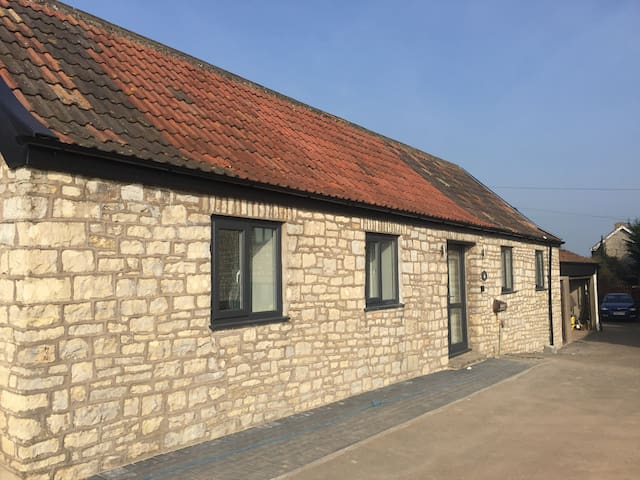 Little Kings Newly Refurbished Detached Annexe - Bath and North East Somerset - Huis