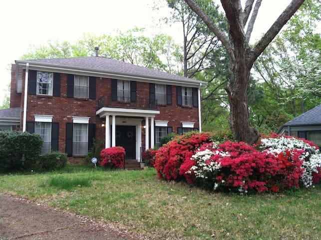 Serene East Memphis home w/garage - Memphis - Hus