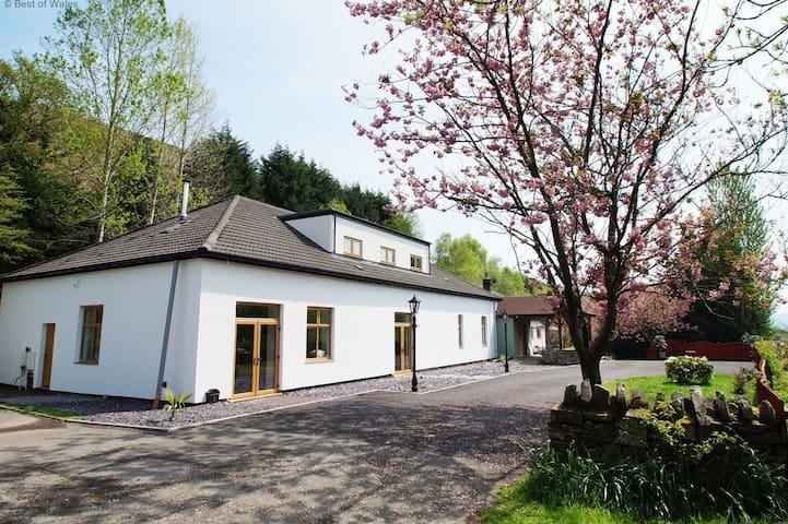Taff Merthyr Lodge - Trelewis