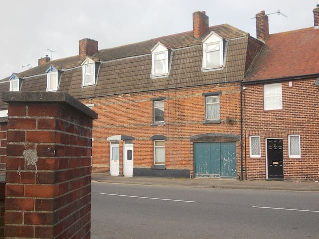 Old Coach House - Double Room - Harwich - Huis