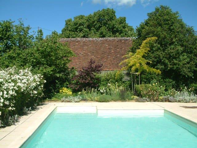 B&B met luxe zwembad in de Dordogne - Temple-Laguyon