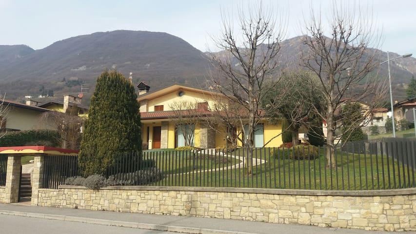 Really pleasant house, New, modern - Endine - Casa