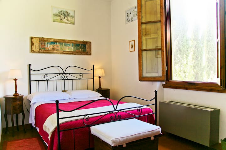 Olivo room in B&B La Martellina - San Jacopo Al Girone - Bed & Breakfast