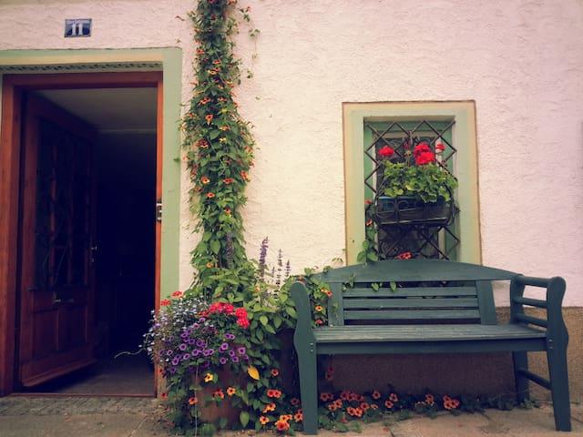 Unique town house in picturesque cobblestone lane - Füssen - Leilighet
