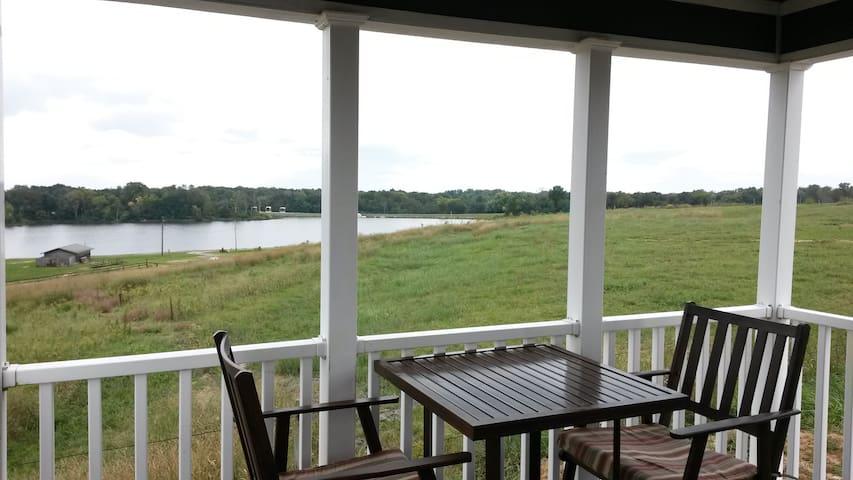 Luxury Lakeview Cottage #12 - Staunton