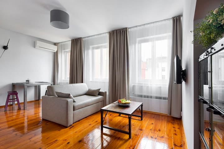 Newly Pepped-up Studio with AC - Praga - Appartamento