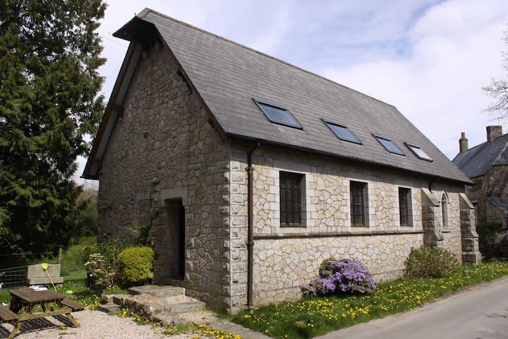 Old Mission Chapel - Murchington - House