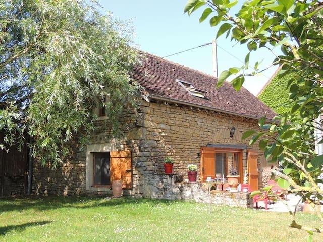 Maison indépendante rénovée - Saint-Vincent-des-Prés
