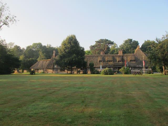 La Maison des Grands Arbres - Saint-Nicolas-de-Bliquetuit - Hus