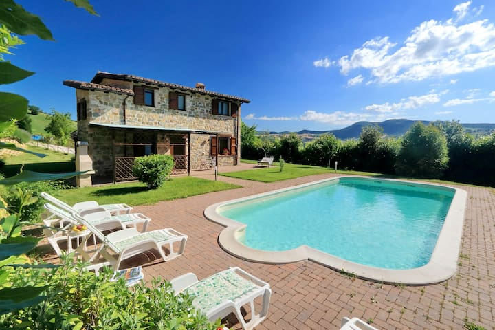 Panoramico casale nelle Marche, piscina privata - Palazzata - 別荘