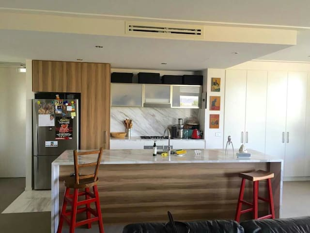 In the heart of city- Glebe Parker - canberra - Apartament