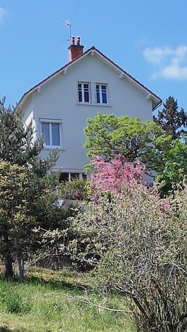 maison avec vue exceptionnelle sur Chatel Guyon - Châtel-Guyon - Ev