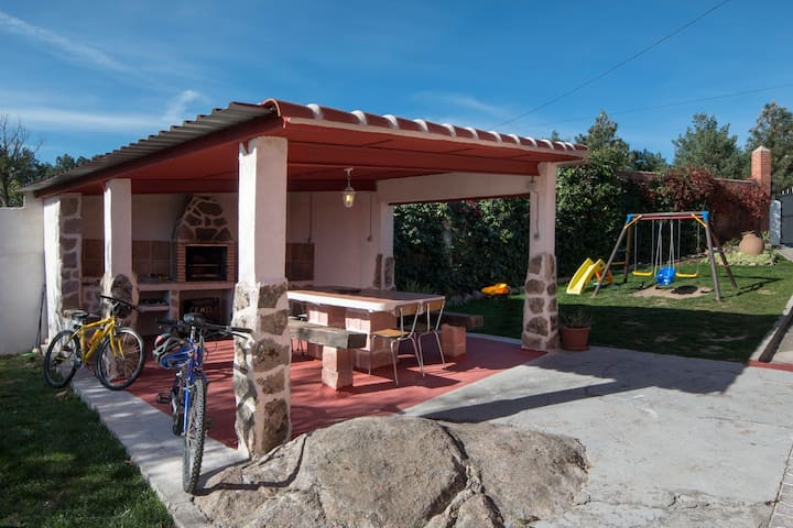 Casa Lentini, un rinconcito de Sicilia en Avila. - Martiherrero - Pension
