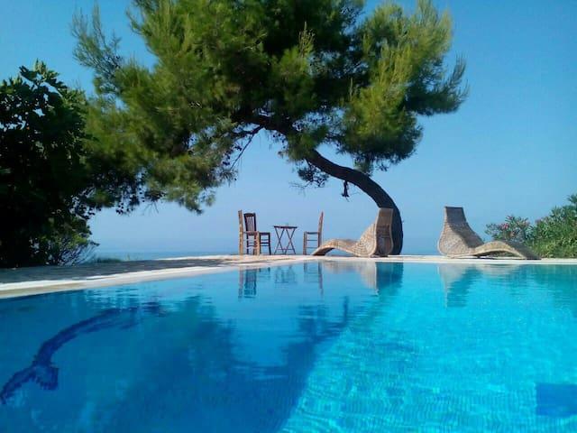 Luxury seaside apartments with pool - Ρίκια - Leilighet