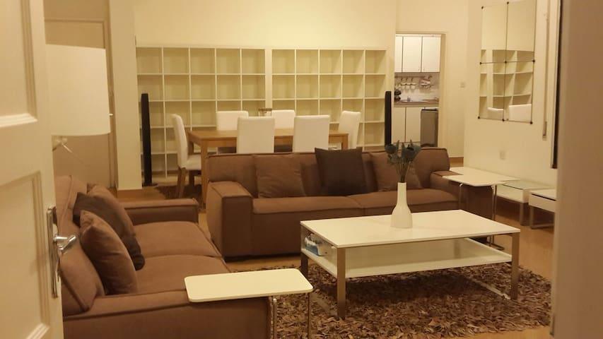 Charming Furnished Floor in a Villa - Amman, Jubeiha , next to Princess Basma Palace - Daire