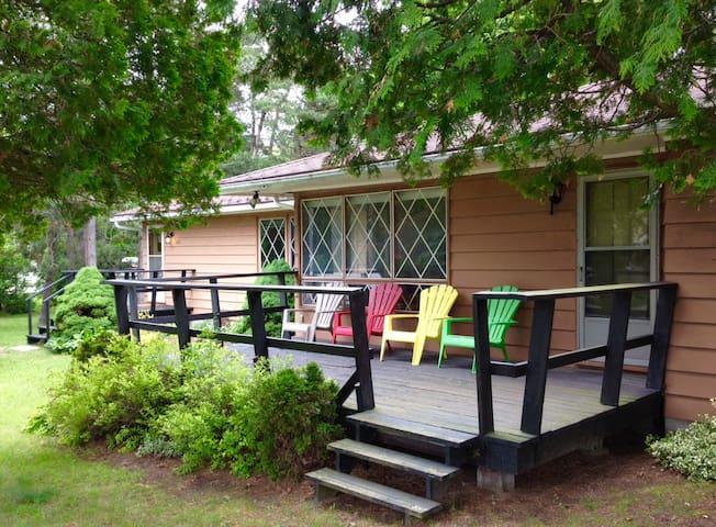 Lake Huron Cedars   Well maintained cottage - Kincardine