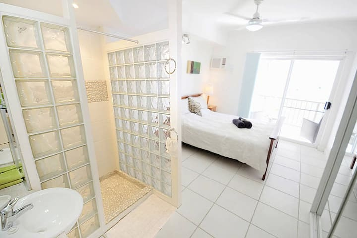 Great Location-Walk to the City  |  R1 - Darwin  - Pis