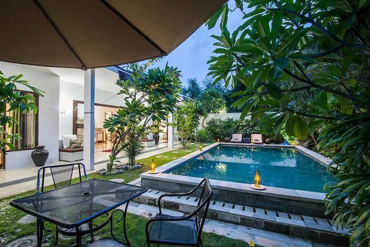 Promo Easter Villa not share pool - Denpasar