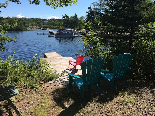 4 Bedroom Cottage on the Lake - Porters Lake - Huis