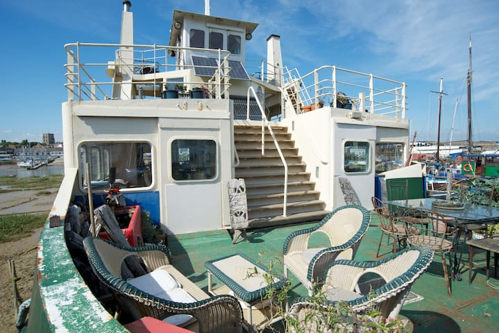 Ever wanted to stay on a ferry? - Shoreham-by-Sea - Båt