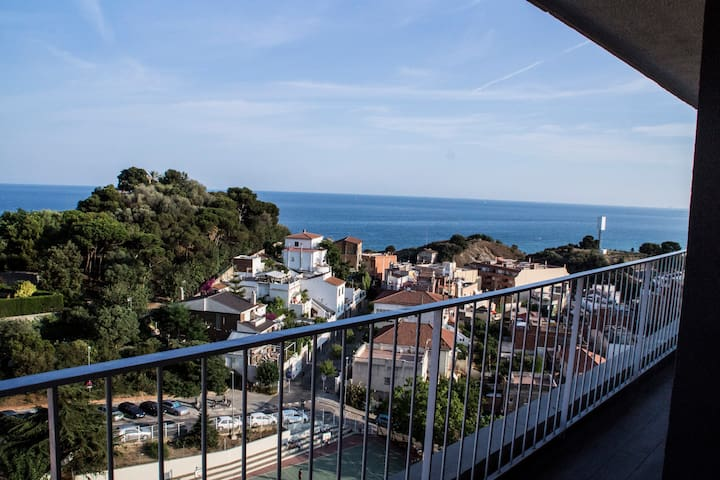 Awesome apartment with nice views!! - Montgat - Departamento
