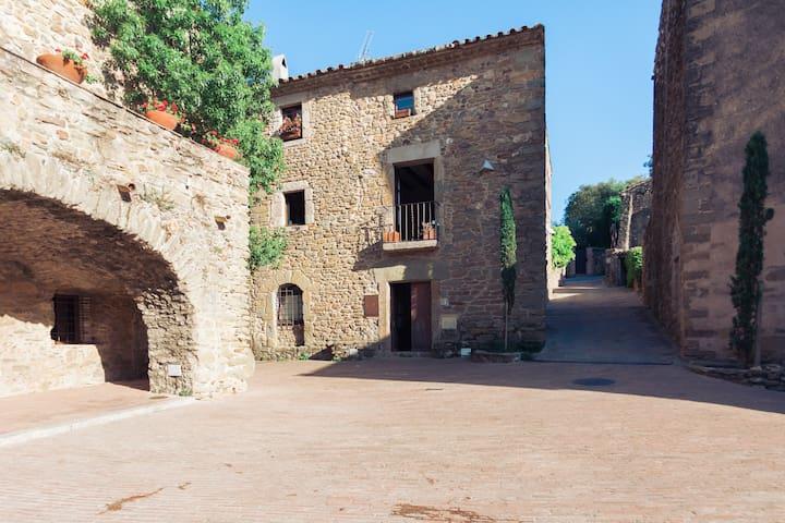 Cozy house, heart of Empordà, 8 pax - Monells - House