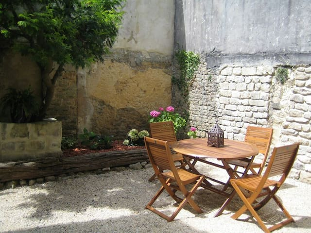 Calme, idéalement situé dans Bayeux - Bayeux - Apartamento