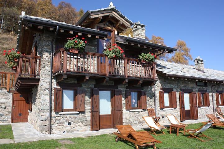 Alloggio presso chalet in alpeggio - Mezzenile - Dağ Evi