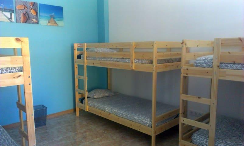 Habitación en Hostel para 6 personas - Arona - Bed & Breakfast