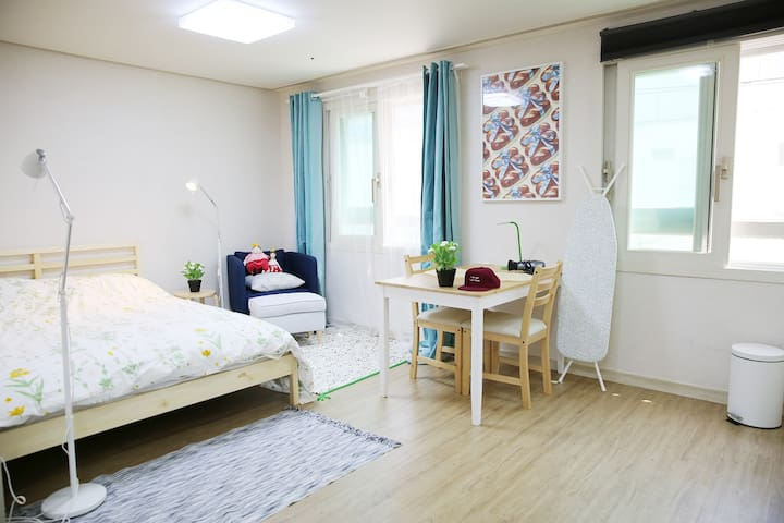 [Renew] Viator's Minimal Hotel OT#303, Specious!! - Gangseo - Byt
