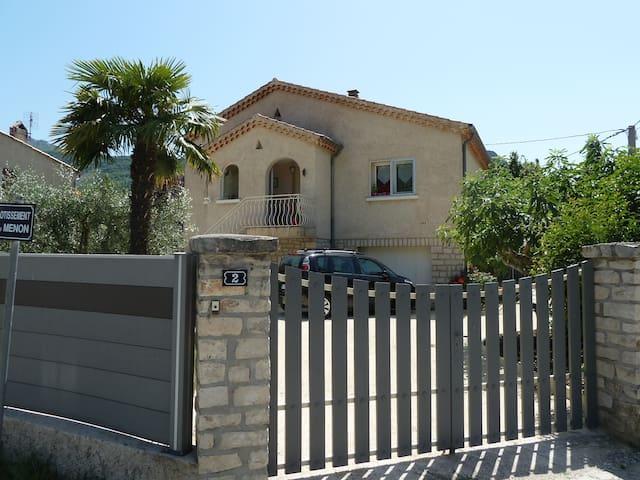 Appartement de charme dans villa Provencale - Buis-les-Baronnies - 公寓