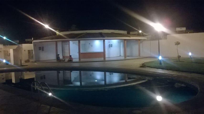 Cómoda y práctica casa en cond - Cuautla - Haus