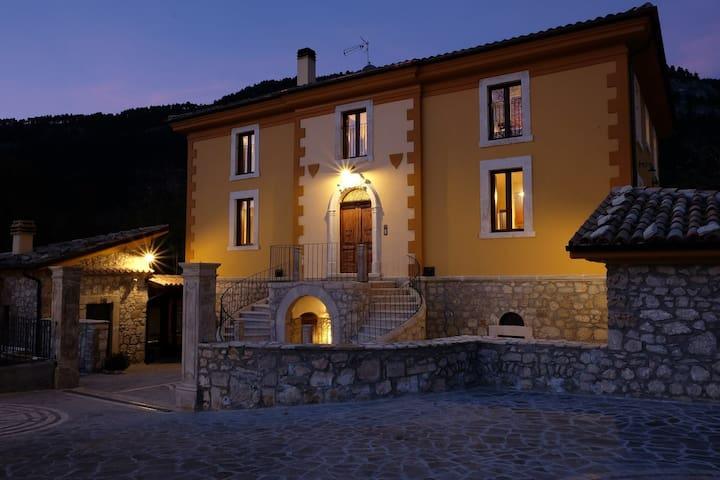 CASALE ALBERICO casa vacanze - Caramanico Terme - Leilighet
