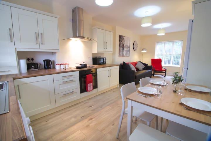 Newly refurbished village flat - Ballymena - Apartmen