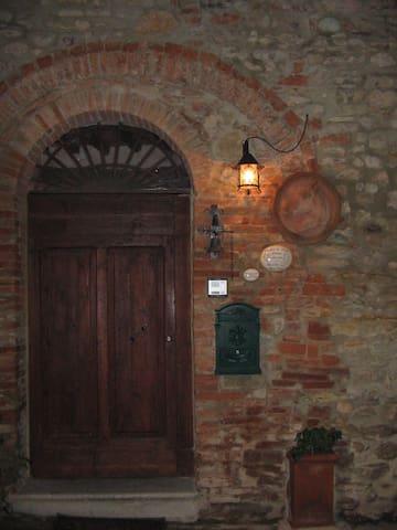 Camera  in un borgo medioevale in Toscana... - Civitella Marittima - B&B/民宿/ペンション
