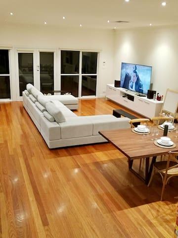 Cosy and warm room, near city - Camberwell, Victoria, AU - Villa
