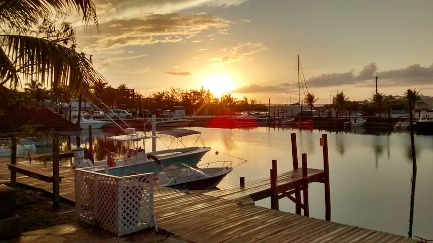 Cool  King Bed Studio on Marina - Providenciales